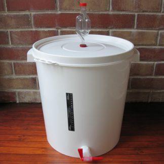 Бак для брожения с гидрозатвором, термометром и краником на 30 л